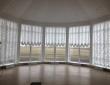 23. Музей-заповедник Тарханы, управляемые французские шторы в выставочном зале музея_2